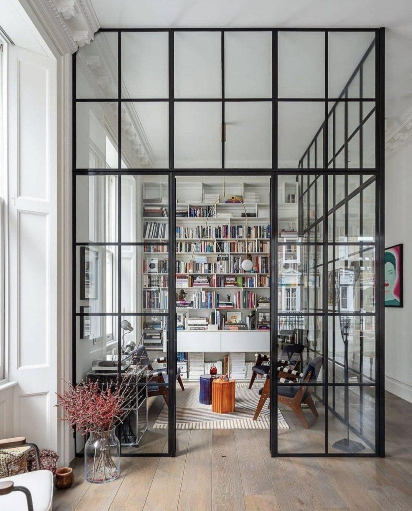 divisão de ambientes com serralheria e vidros